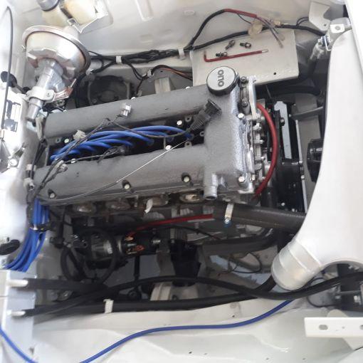 Under Alfa Giulia Fedal's hood